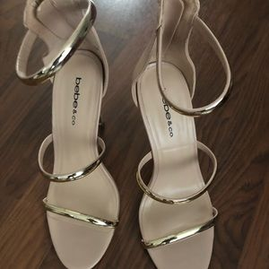 Gold and Nude EUC bebe heels